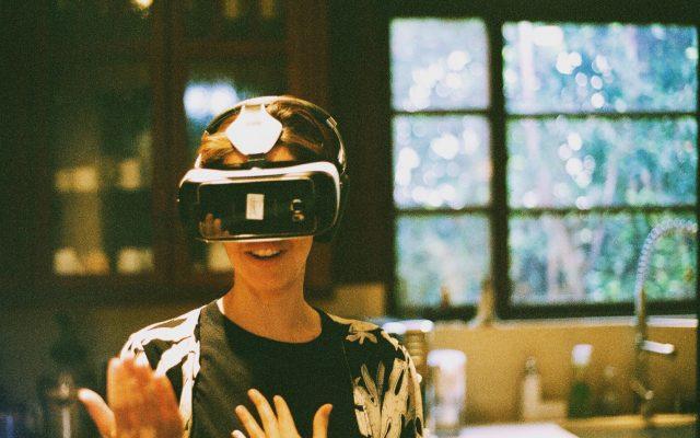 virtual-reality-in-la_t20_PQWE6J